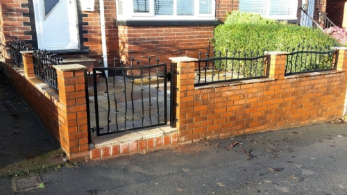 Fencing with Gate